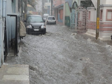 driving in rain, monsoon driving tips